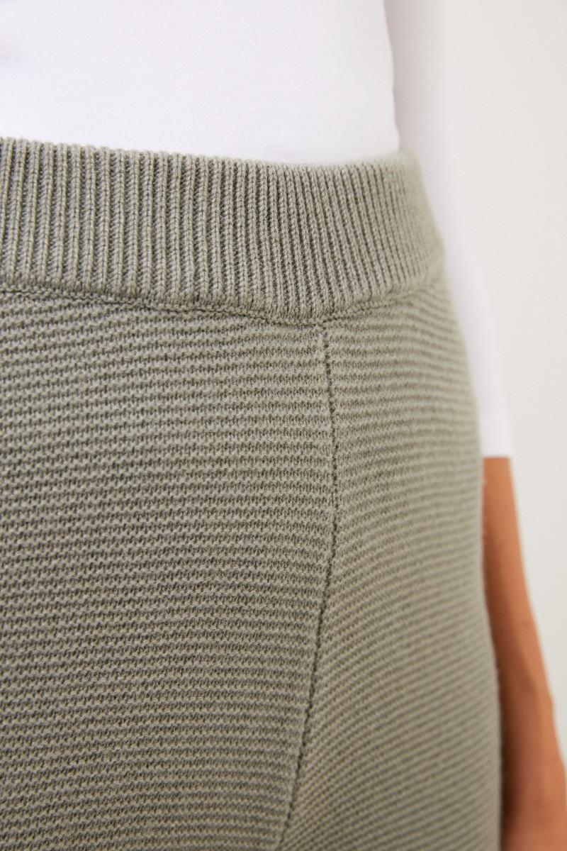 Uzwei Cashmere-Hose mit weitem Bein Salbei
