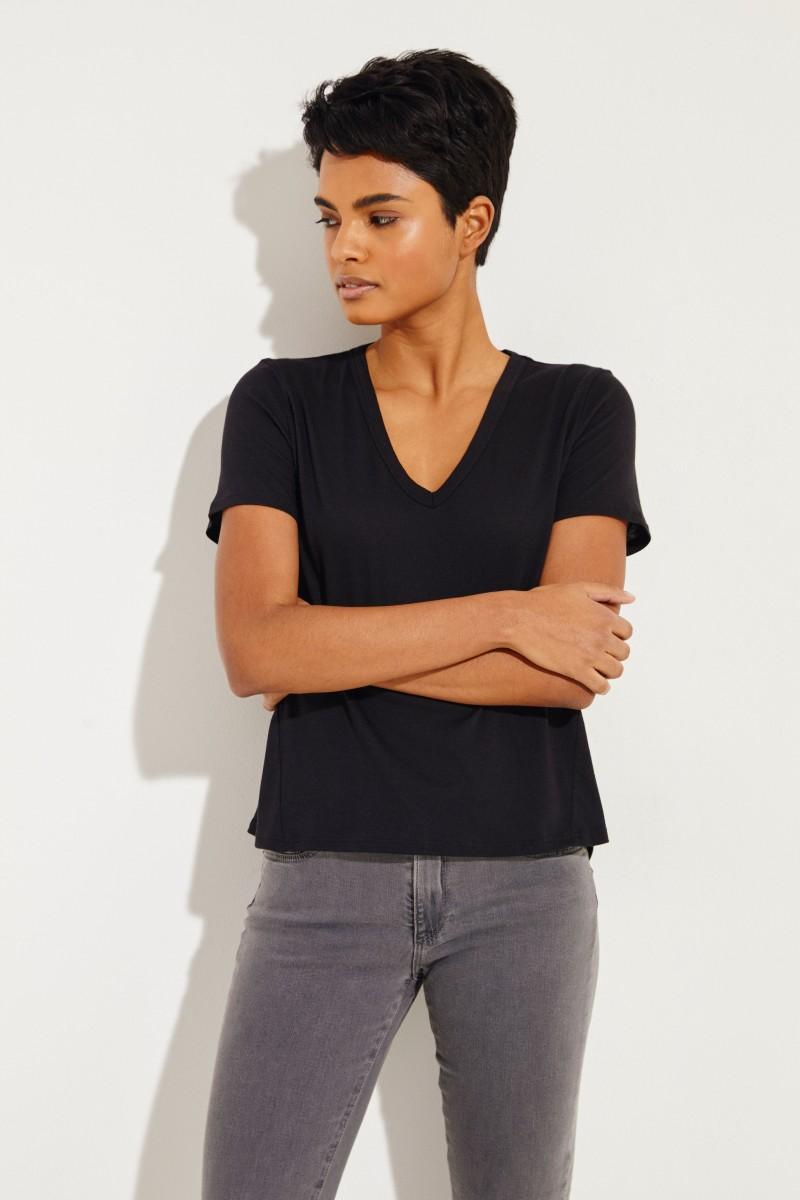 T-Shirt V-Neck 'Cindy' Schwarz