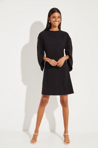 Chloé Kurzes Kleid mit asymmetrischen Ärmeln Schwarz