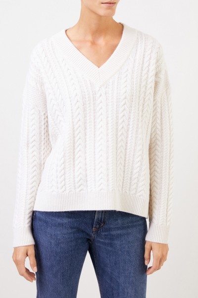 Uzwei V-neck cashmere pullover with cable stitch White