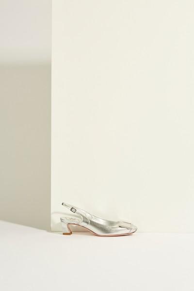 Leather pump 'Belle Vivier Trumpet' with buckle Silver-Metallic