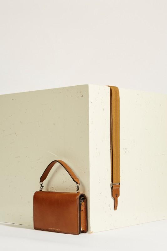 Tasche mit Perlenverzierung Braun
