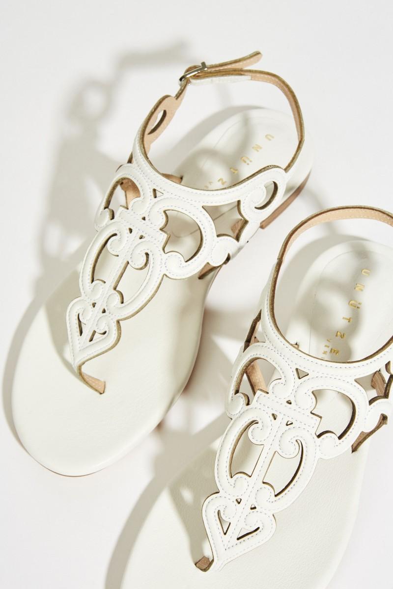 Leder-Sandale mit Verzierungen Weiß