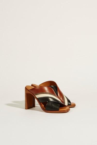Leder-Sandale mit Absatz und Perlenverzierung Multi