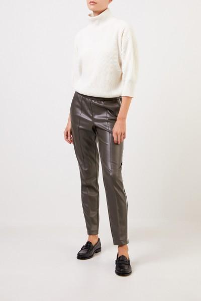 Cambio Kunstlederhose 'Kimmy' mit Streifendetails Grau-Grün