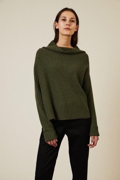 Cashmere-Pullover mit U-Boot-Ausschnitt Olivgrün
