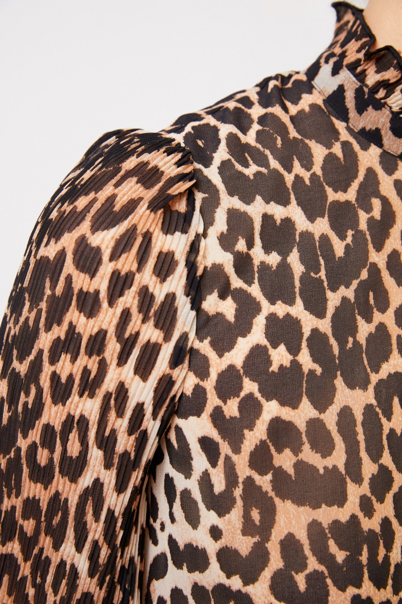 Ganni Bluse mit Leoprint und Plissee-Details Multi