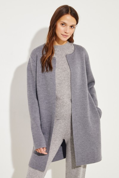 Classic knitted coat with grey lining
