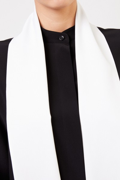 Givenchy Silk blouse with detail Black/White