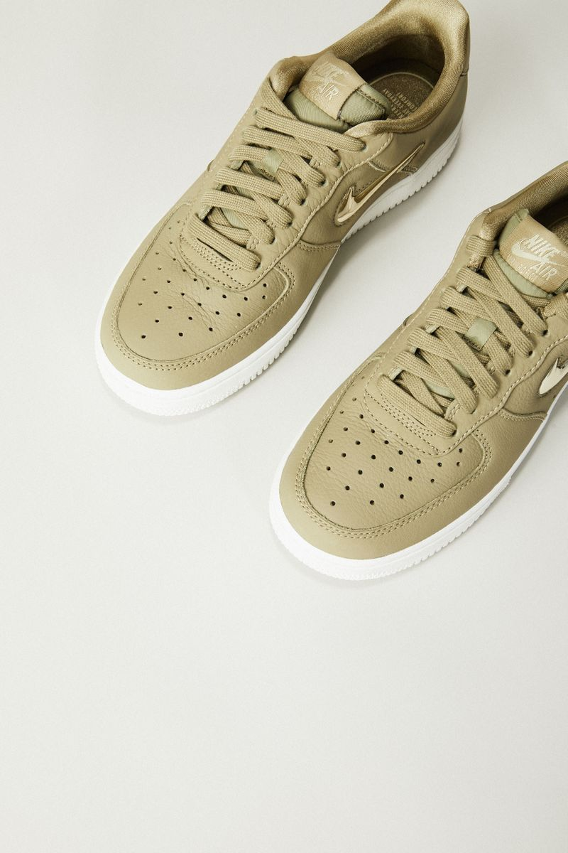 Sneaker 'Air Force 1'07 LX' Oliv