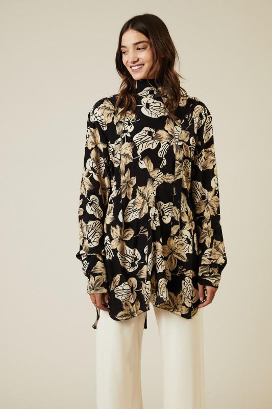 Oversize Seiden-Bluse mit floralem Print Schwarz/Beige