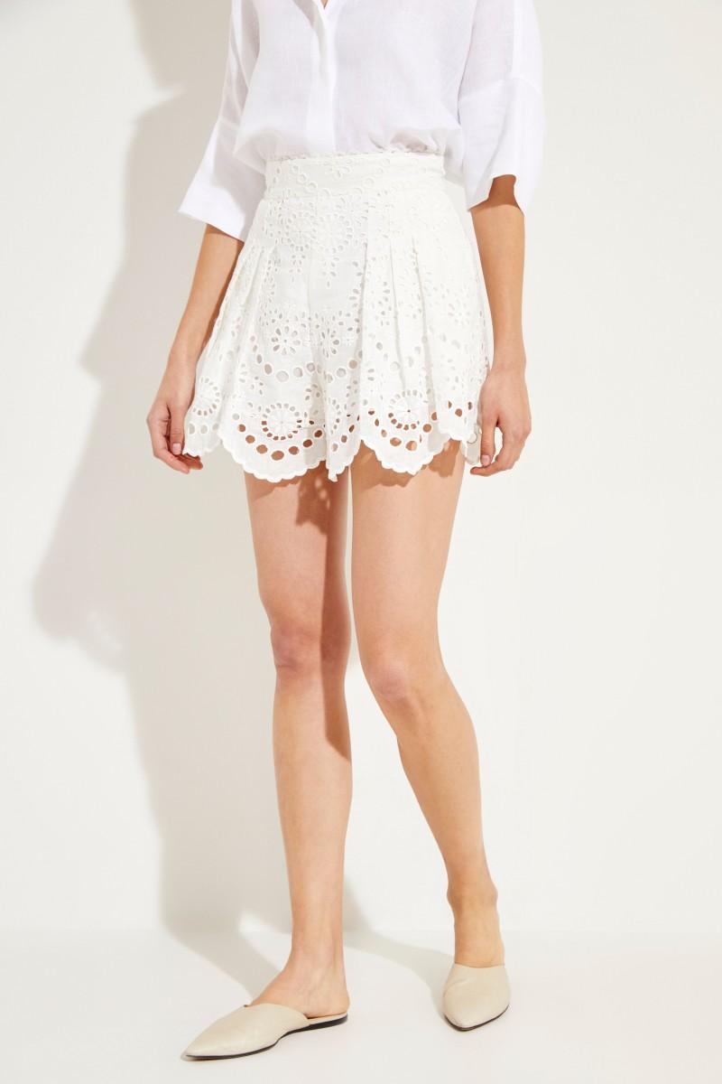 Shorts mit Stickereiverzierung Crèmeweiß
