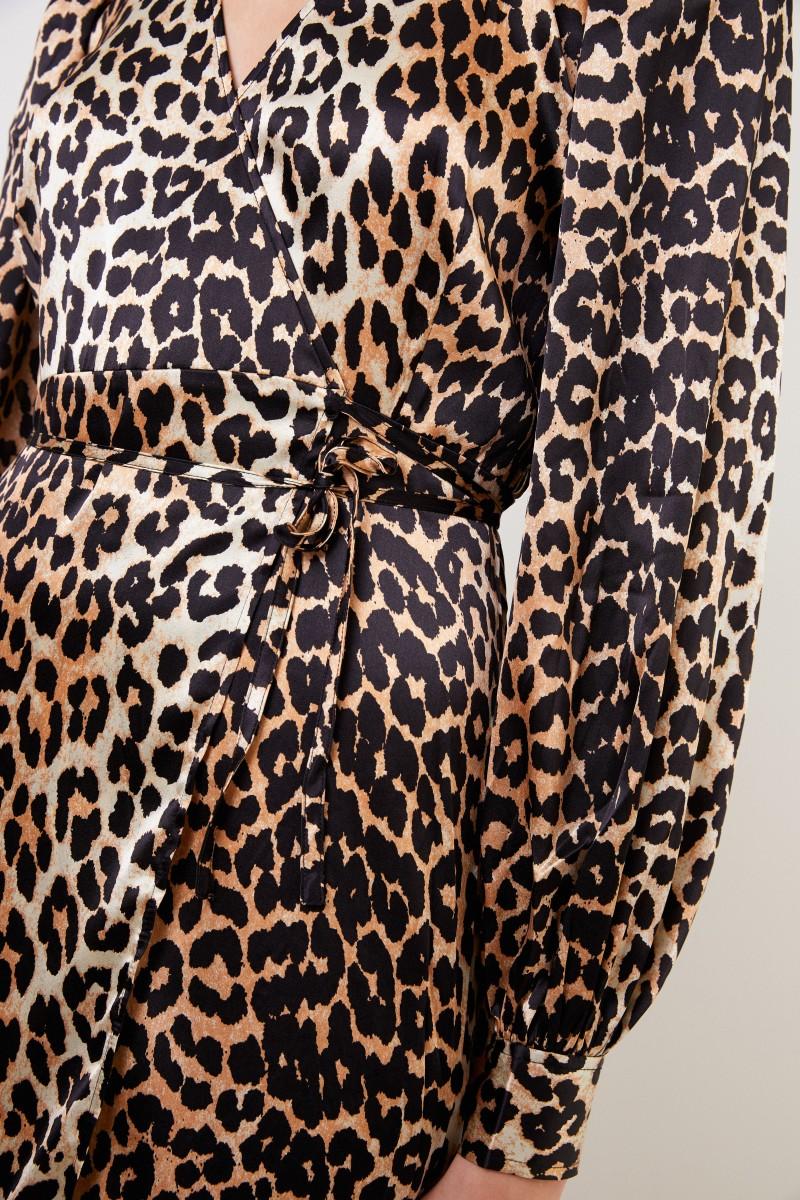 Ganni Seiden-Wickelkleid mit Leoprint Multi