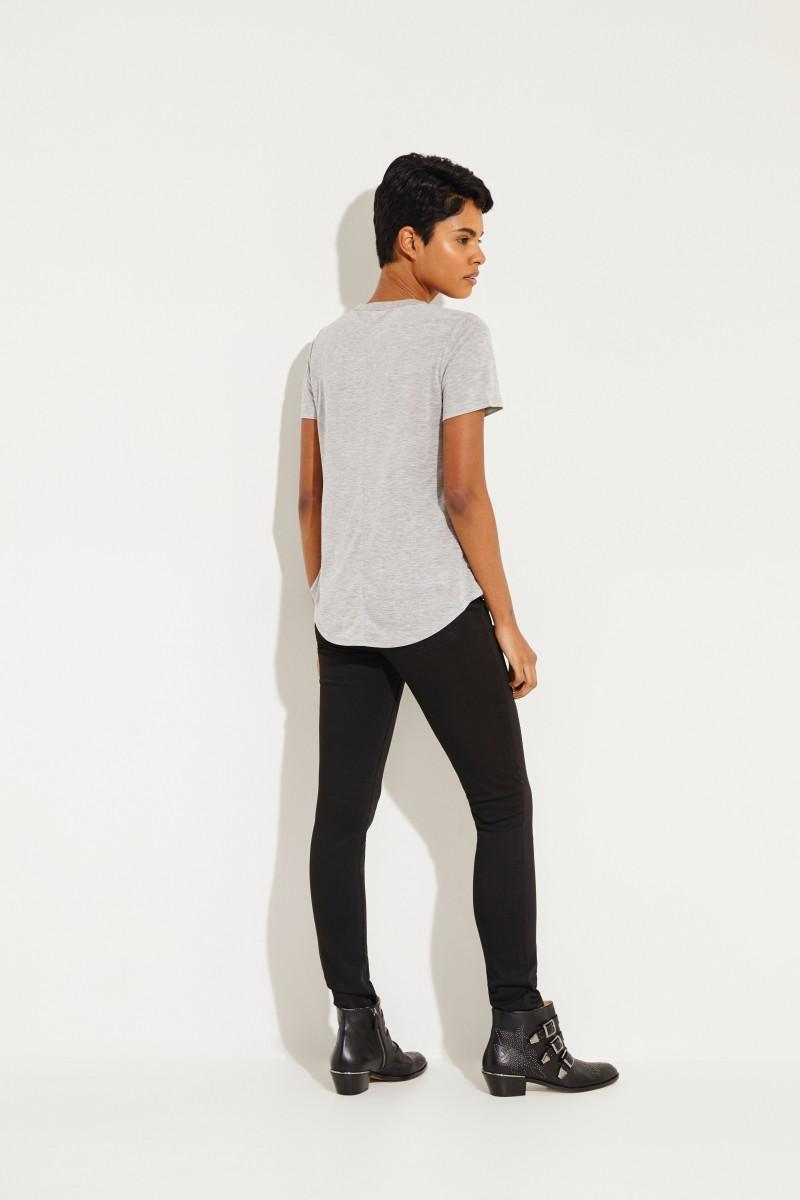 T-Shirt mit V-Neck 'Cindy' Grau