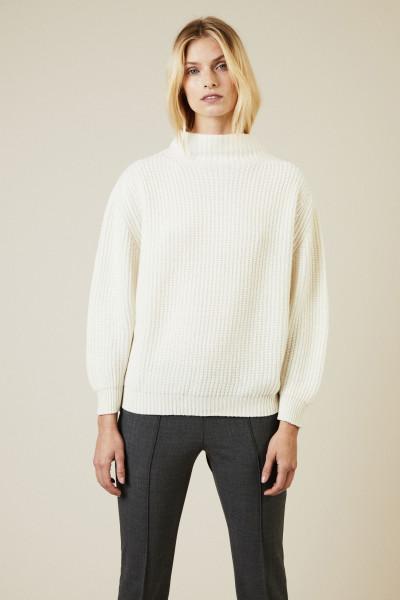 Oversize Cashmere-Pullover mit Turtle-Neck Weiß