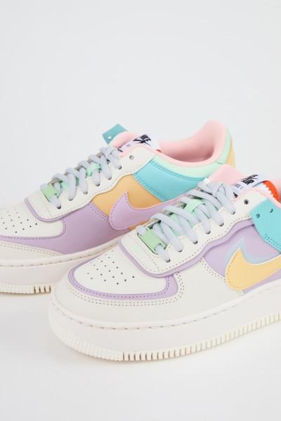 Nike Plateau-Sneaker'Air Force 1' Cream/Lilac