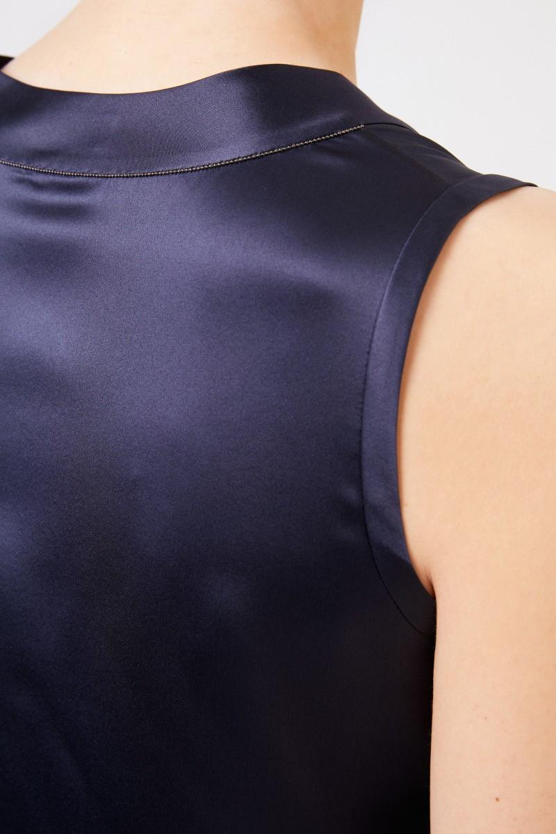 Brunello Cucinelli Seiden-Top mit V-Neck Marineblau