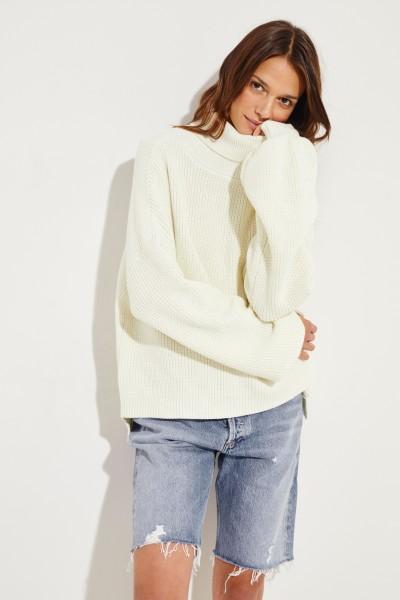 Rollkragen-Pullover mit verkürzter Front Crème