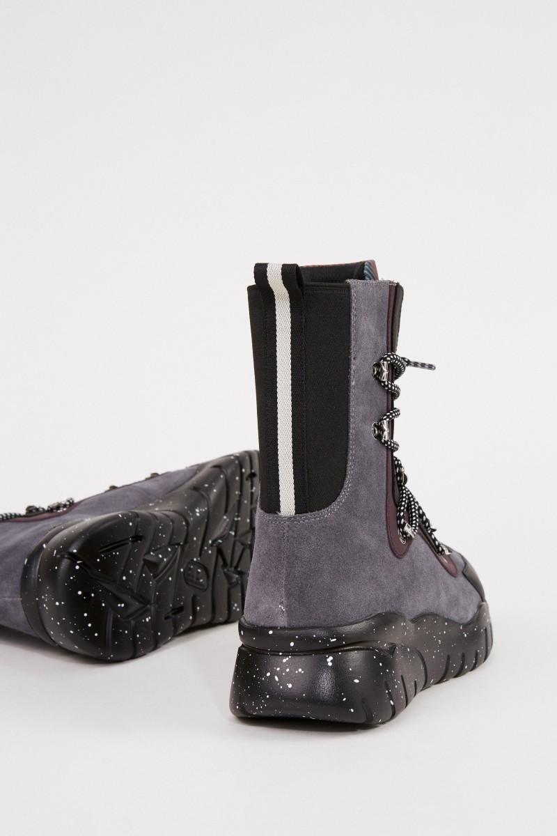 Bally Veloursleder-Stiefel 'Biasan T' Grau/Muti