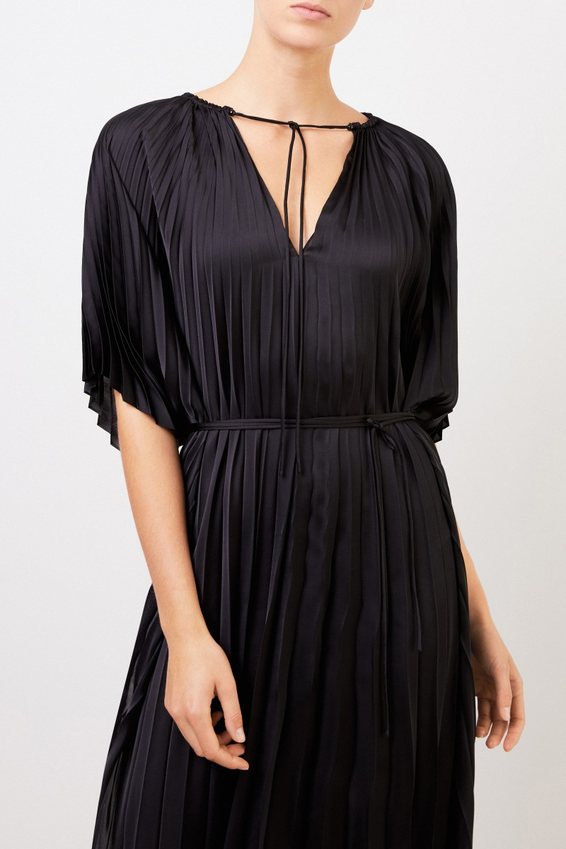 Stella McCartney Langes Plissee-Kleid 'Nowra' Schwarz