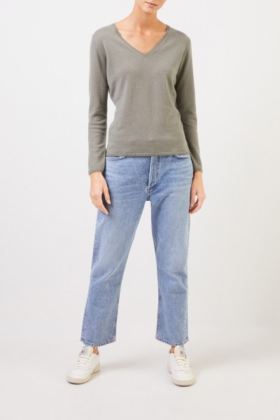 Uzwei Cashmere pullover with v-neck Sage