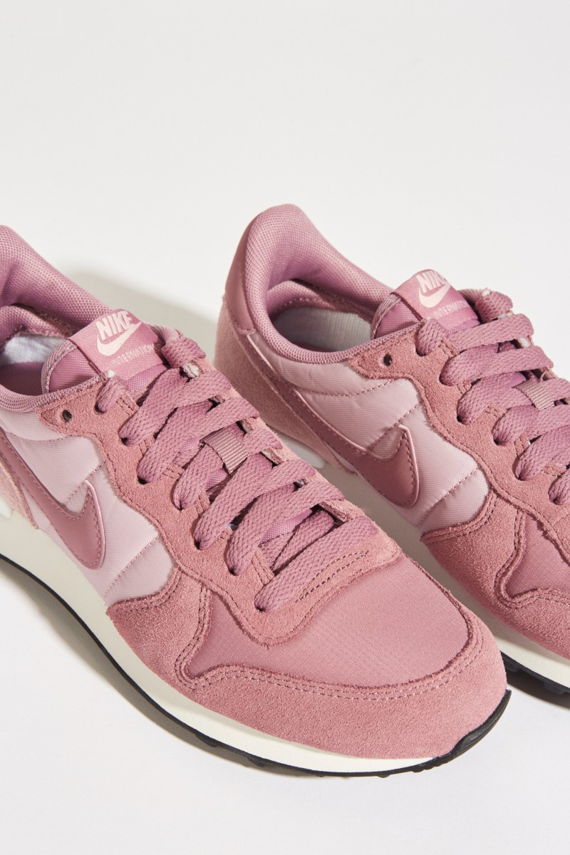 Sneaker 'Internationalist' Violett