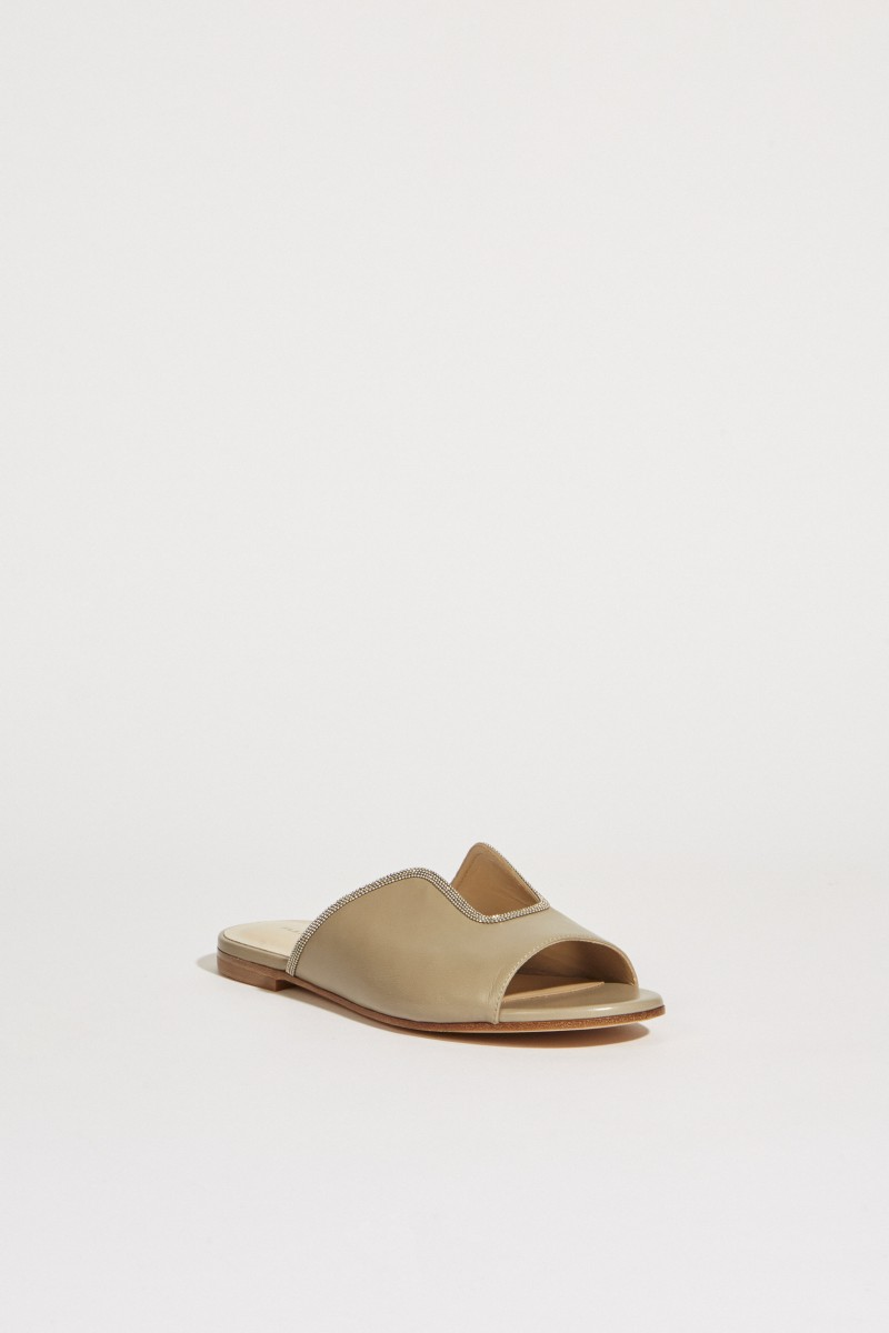 Leather sandal with pearl adornment taupe