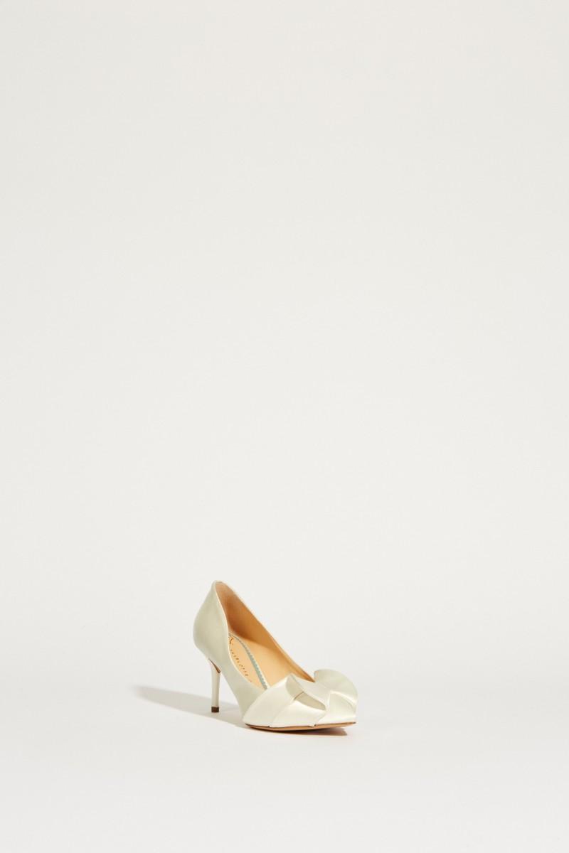 Satin-Brautpump mit Schleifendetail Weiß