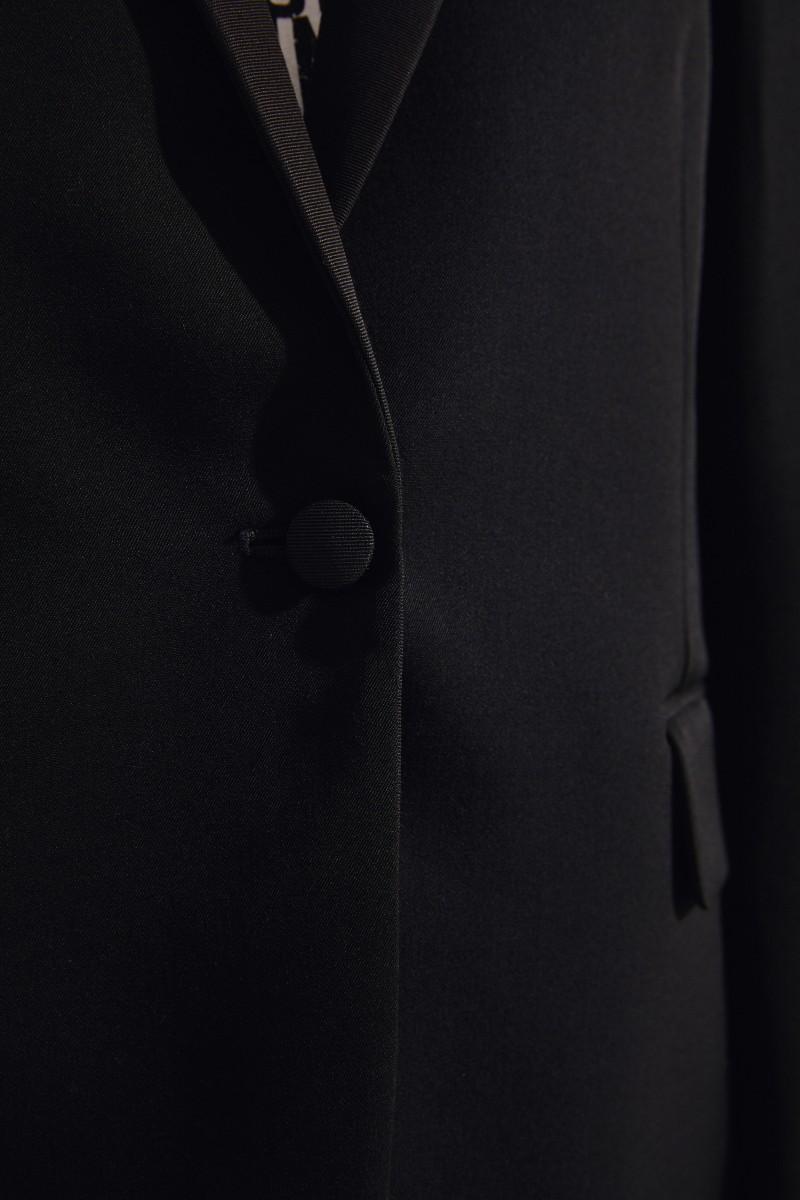 Taillierter Woll-Blazer Schwarz