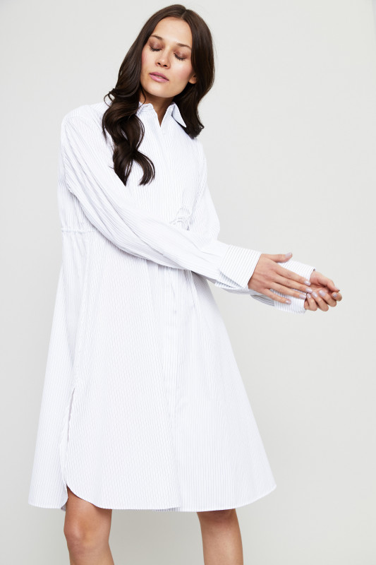 Gestreiftes Hemdblusenkleid mit Bindeelement Weiß