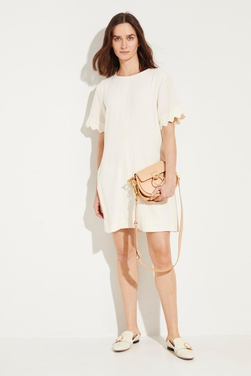 Kurzes Kleid mit Muschelsaumkanten Buttercream