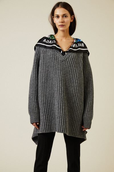 Oversized Wollpullover mit Applikation Grau