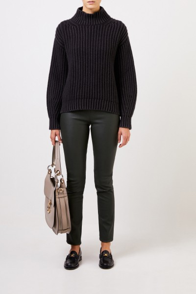 Cashmere-Sweater with turtleneck Black