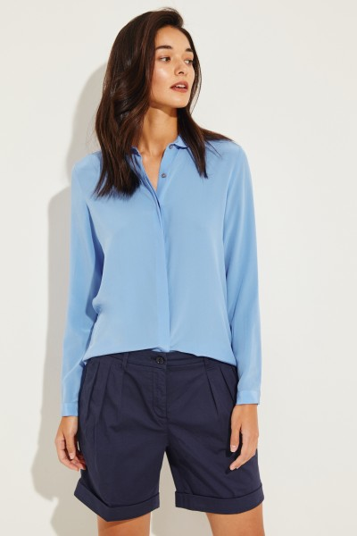 Seiden-Bluse mit abgerundetem Kragen Blau