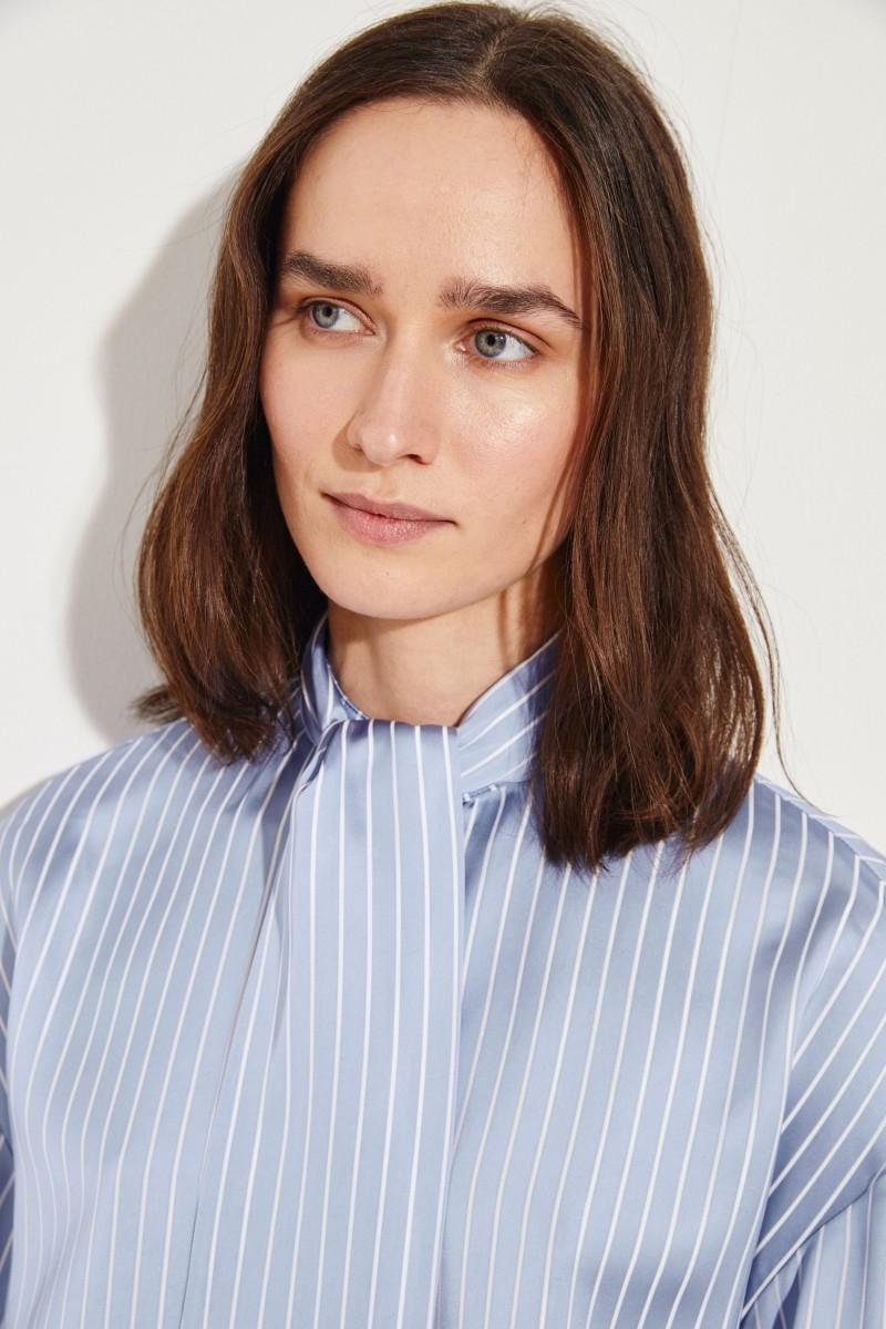 Gestreifte Bluse mit Bindedetail Blau/Weiß