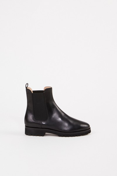 Leather chelsea boot with rubber sole Black